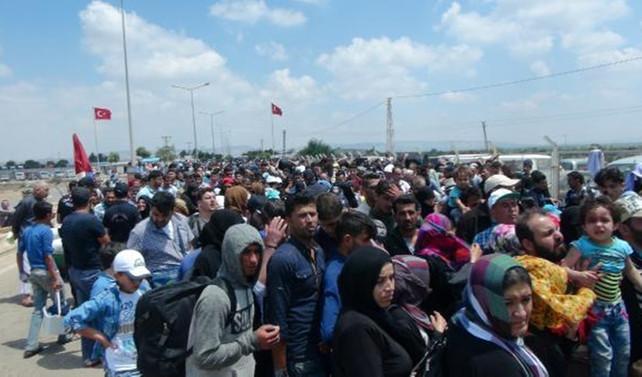 Suriye sınırında bayram yoğunluğu