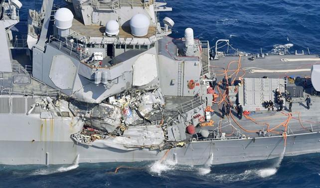 Gemi kazasında 7 ABD askeri öldü