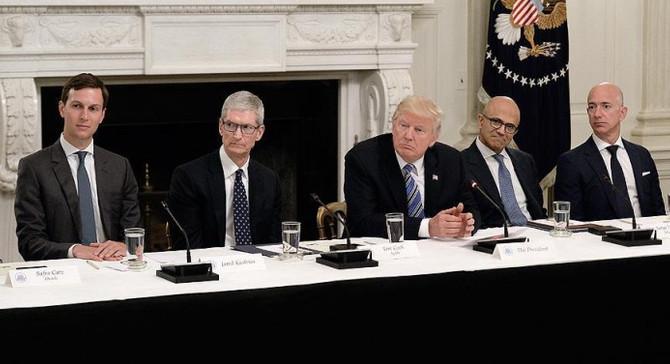 Trump, halkı siber saldırılardan korumak istiyor