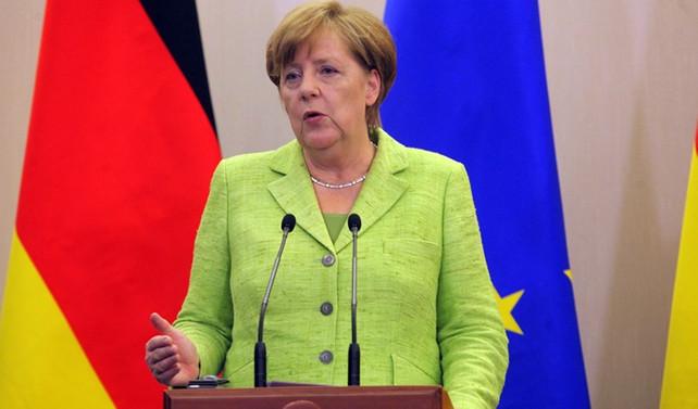 Merkel'den Macron'un önerisine yeşil ışık