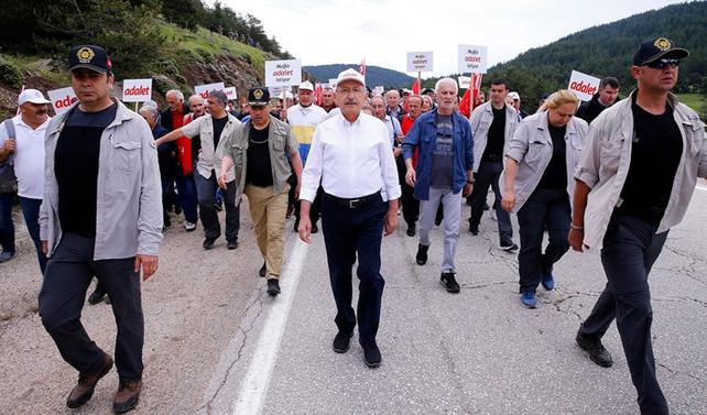 'Adalet yürüyüşü'nde ilk 100 kilometre tamamlandı