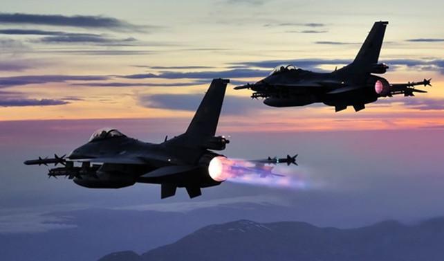 ABD'de F-16 askeri gösteri uçağı kaza yaptı