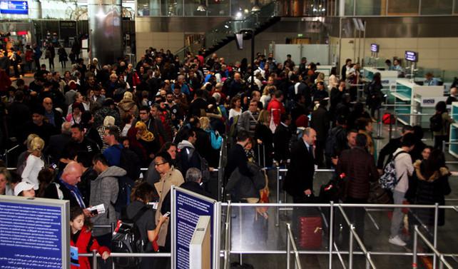 İstanbul havalimanları 2 ayda 16 milyon yolcu ağırladı