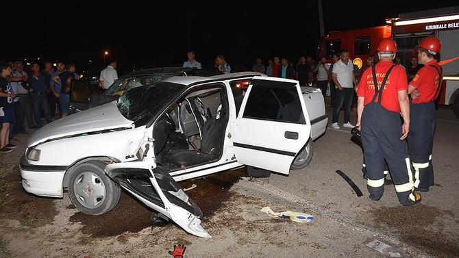 Kırıkkale'de iki otomobil çarpıştı: 3 ölü, 8 yaralı