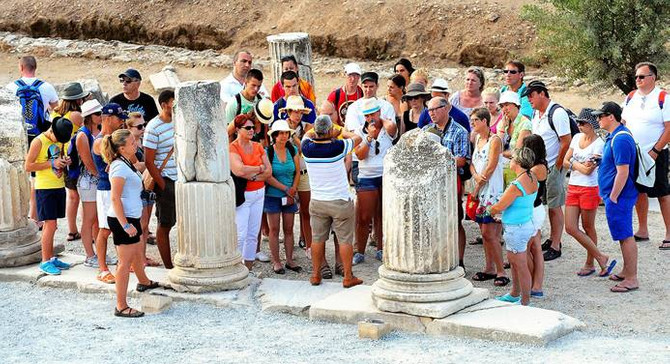 Antalya'ya 3 milyon Rus turist bekleniyor