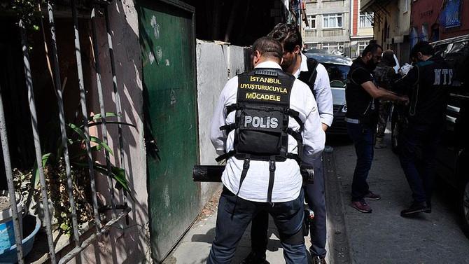 İstanbul'daki uyuşturucu baskınında 10 tutuklama