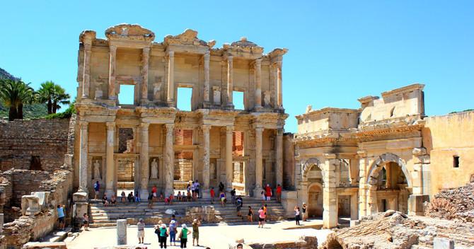 Avcı'dan AKM ve Efes'te düğün açıklaması