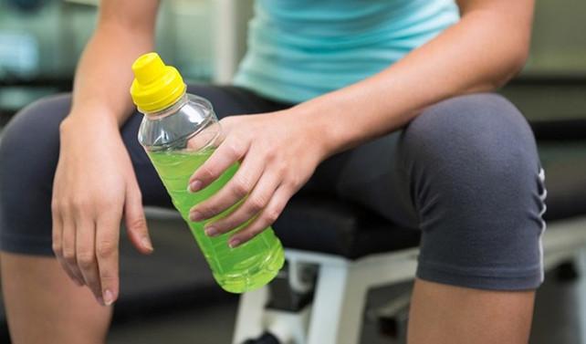 Spor tesislerinde enerji içeceği satılamayacak