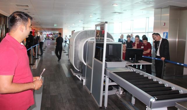 Atatürk Havalimanı'nda tablet yasağını aşmak için ilk adım