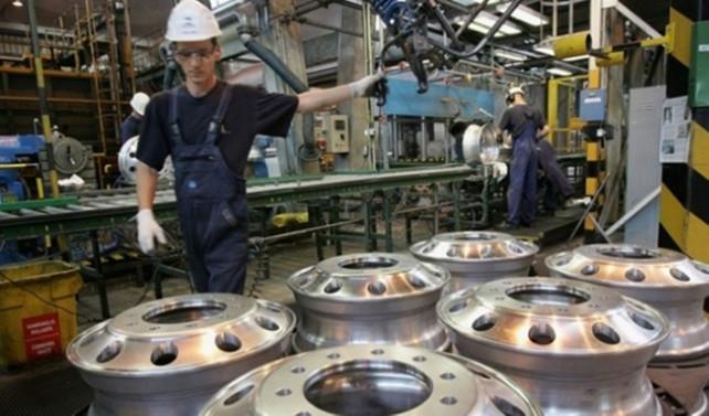 İngiltere sanayi üretimi son 3 yılın en hızlı büyümesinde