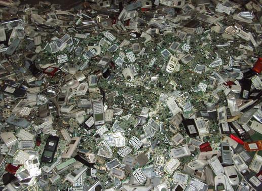 Hurda telefonlar 'altın' değerinde