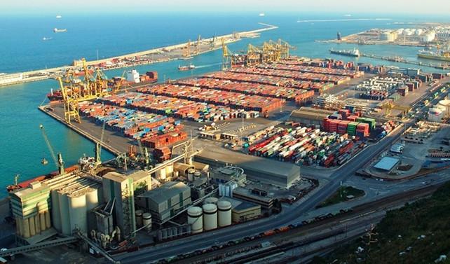 İspanya'da liman işçileri grevde