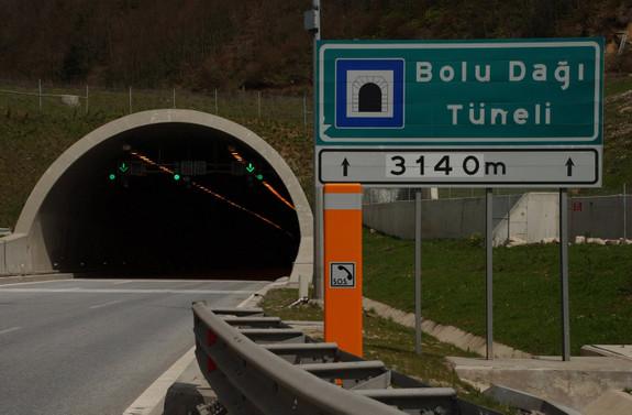 Bolu Tüneli'nin Ankara yönü 15 gün kapalı olacak
