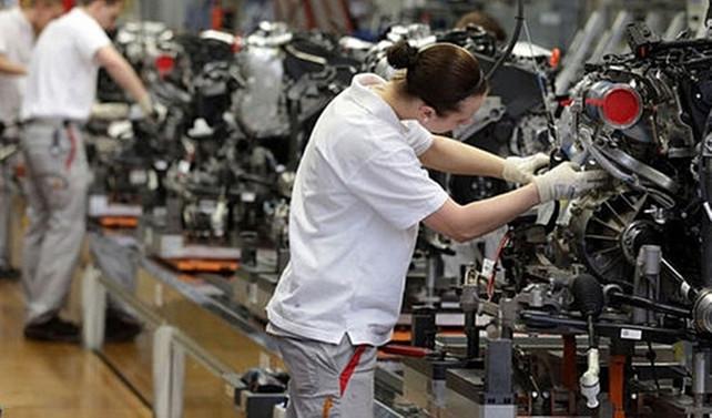 Almanya'da fabrika siparişi beklenenden fazla azaldı