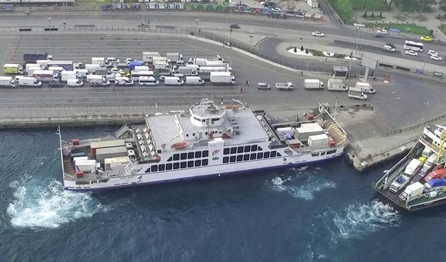 Kamyon ve TIR'lara feribot yasağı