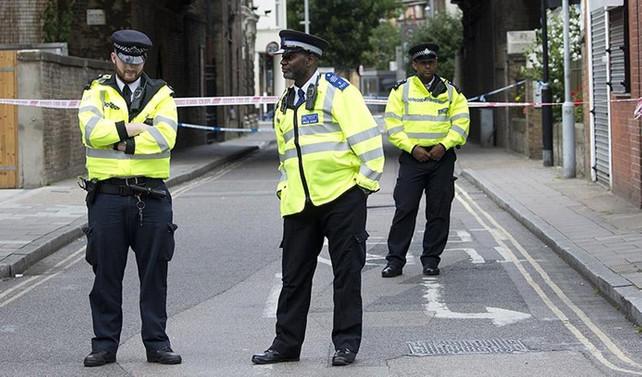 Londra'da şüpheli araç kontrollü şekilde patlatıldı