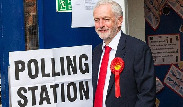 Corbyn: Bu sabah İngiltere'de güçlü bir hükümet yok