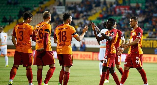 Galatasaray transferde başarıyı yakalayamadı