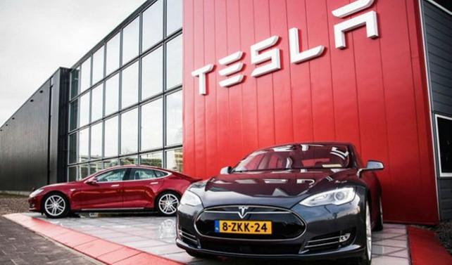 Tesla, dünyanın en değerli 4'üncü otomotiv firması oldu