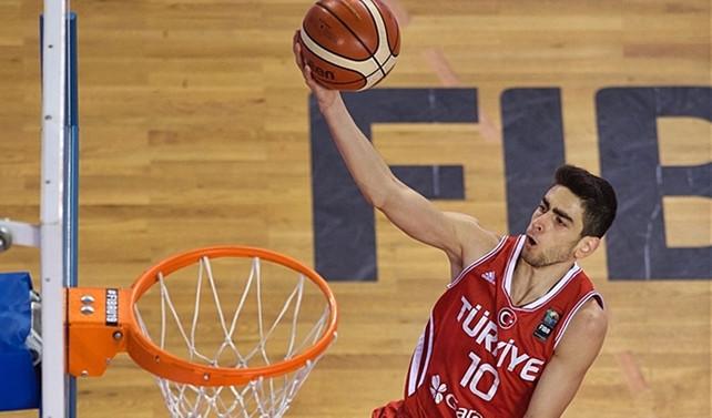 Genç yıldız NBA yolcusu