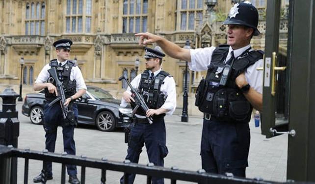 İngiltere parlamentosu boşaltıldı