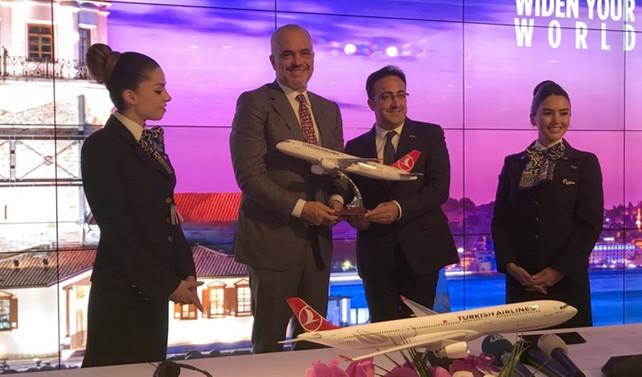 Arnavutluk başbakanı THY'yi ziyaret etti