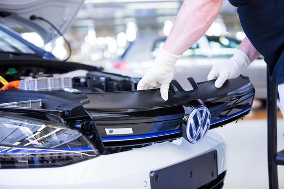 Volkswagen ile Panasonic iş birliğine gitti