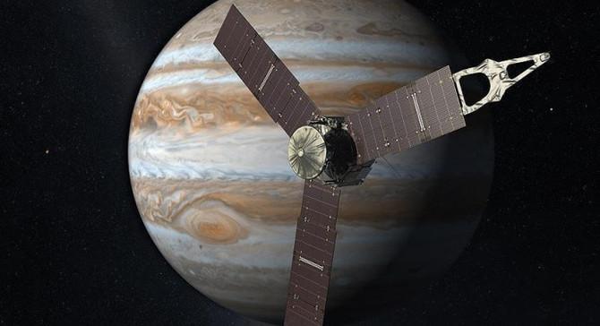 Japonya'nın insansız uzay aracı ilk fotoğrafları gönderdi