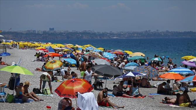 Turist sayısı artıyor, gelir düşüyor