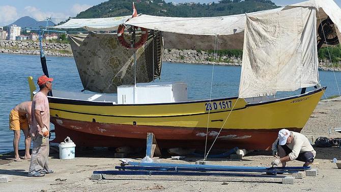 Karadenizli balıkçıların gözü denizde