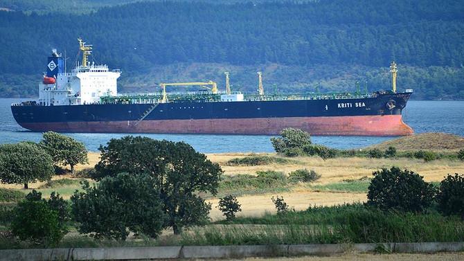 Çanakkale'de karaya oturan gemi kurtarıldı