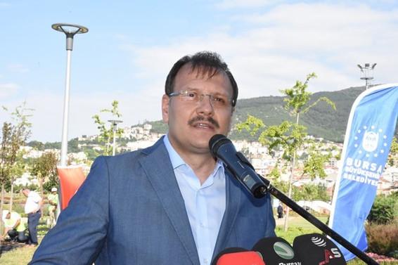 Başbakan Yardımcısı Hakan Çavuşoğlu kimdir?