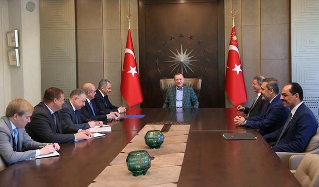 Cumhurbaşkanı, Rusya savunma bakanı ile görüşüyor