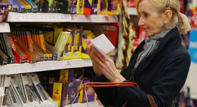 İngiltere perakende satışları beklentiyi aştı
