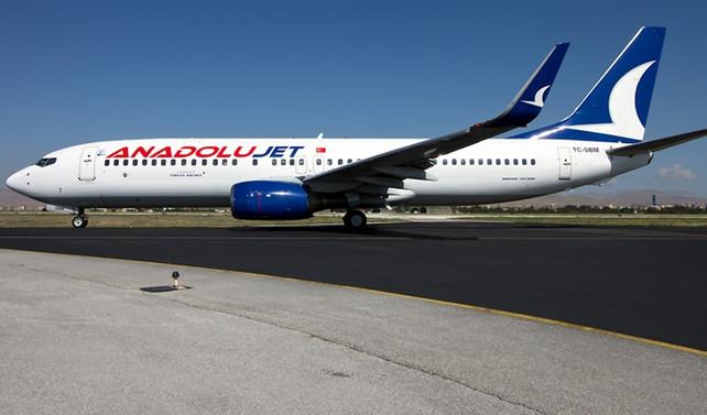 Anadolujet uçağı acil iniş yaptı
