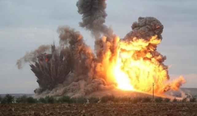 Esad DAEŞ'i Rakka'da vurdu