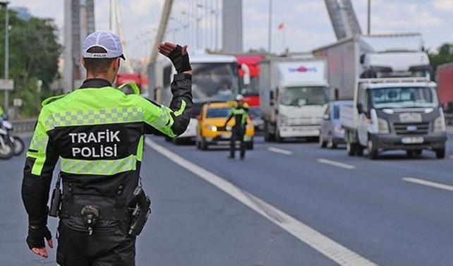 60 polise 'rüşvet'  gözaltısı