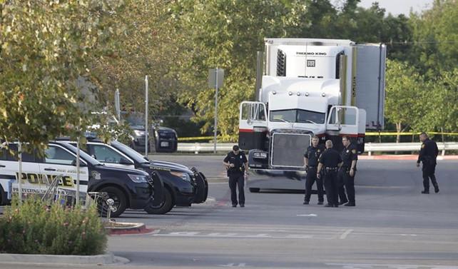 ABD'de bir kamyon kasasındaki göçmenlerden dokuzu ölü bulundu