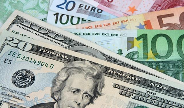 Dolar serbest piyasada 3,55'ten açıldı
