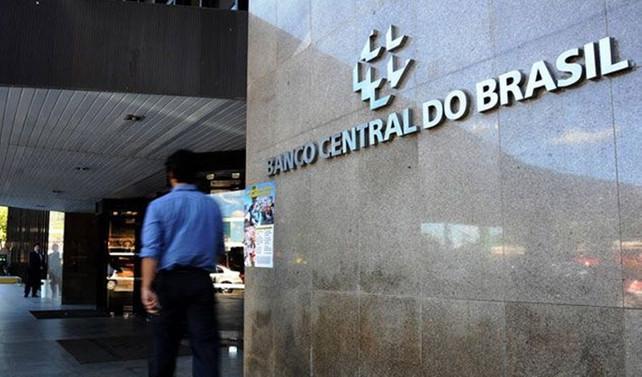 Brezilya faizi 100 baz puan indirdi