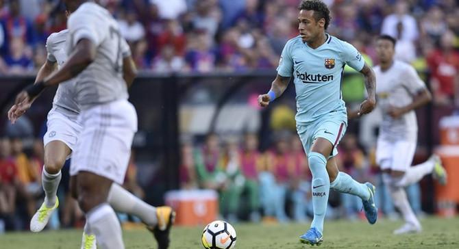 Neymar, Barcelona'yı sırtladı