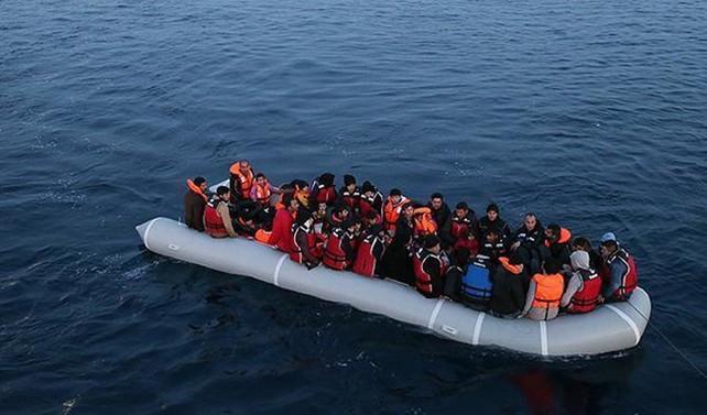 Çeşme'de mültecileri taşıyan bot battı: 6 ölü