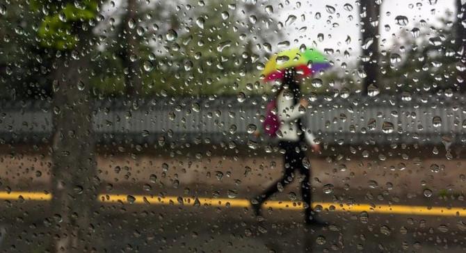 Yağış İstanbul'u terk etti