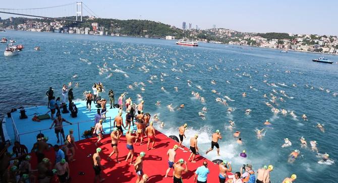 Boğaziçi Yüzme Yarışı dünyanın 1 numarası oldu