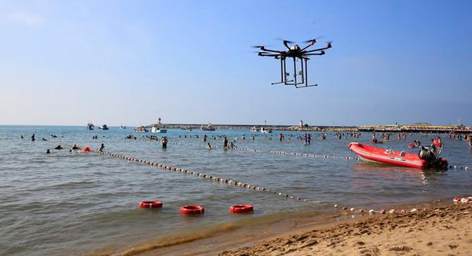 İstanbul plajlarında 'drone'lu kurtarma