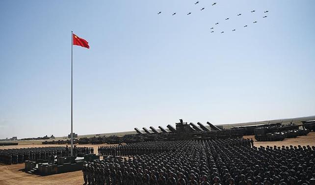 Çin'de 12 bin asker ve 100'den fazla uçakla 'askeri geçit töreni'