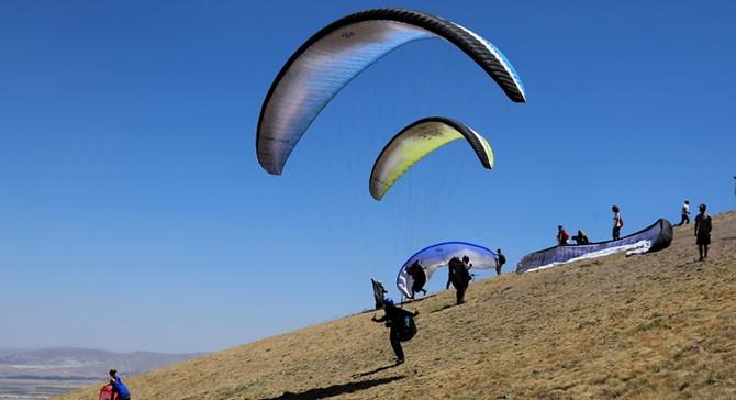 Ali Dağı Uluslararası Yamaç Paraşütü Şampiyonası yapıldı
