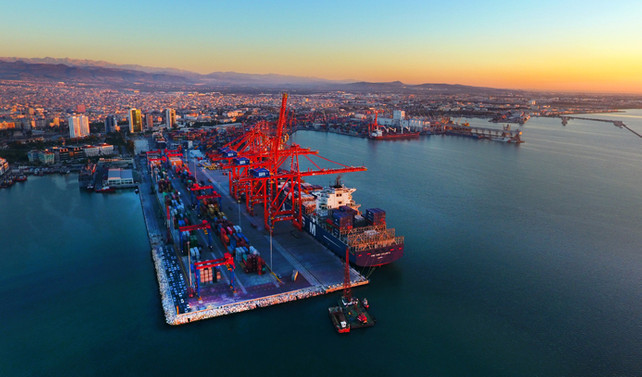 Akfen, Mersin Limanı'ndaki yüzde 40 payı sattı