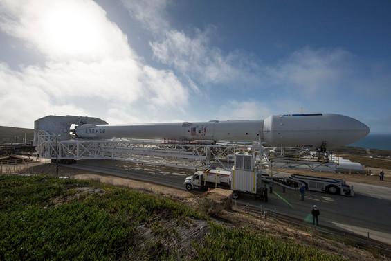 SpaceX 3. roketi fırlattı