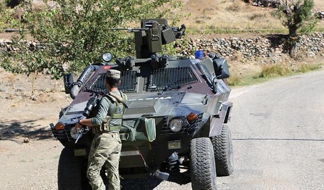 Hakkari'de iş makineleri taşıyan konvoya saldırısı: 4 ölü